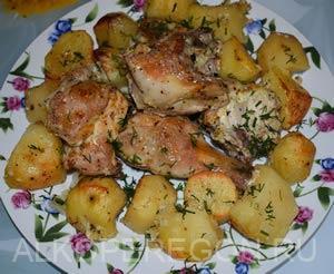 Вкусная курица с картошкой в духовке рецепт с чесноком