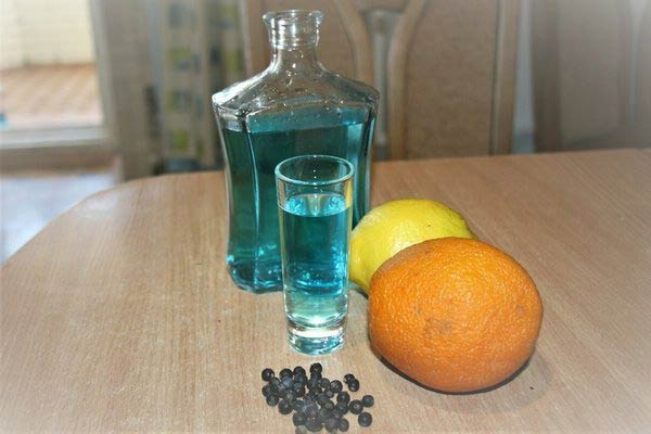 водка на можжевельнике с лимоном