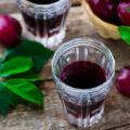 Настойка из слив – 12 простых домашних рецептов